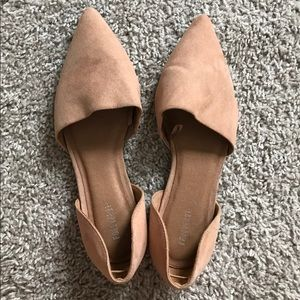 Beige / nudeish (unsure of color name) Flats
